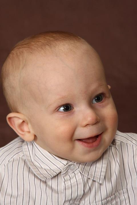 9-month-portraits-16