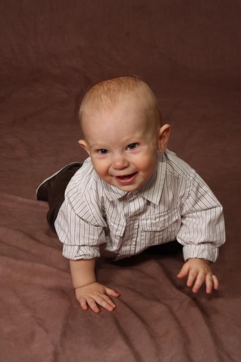 9-month-portraits-12